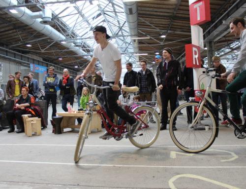 AT5 item: Wedstrijdje sloom fietsen om hardrijders amsterdam centrum te verminderen (Engels)